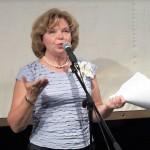 Надежда Стрелкова читает стихи Ирины Шухаевой на творческом вечере 30 мая 2013 года